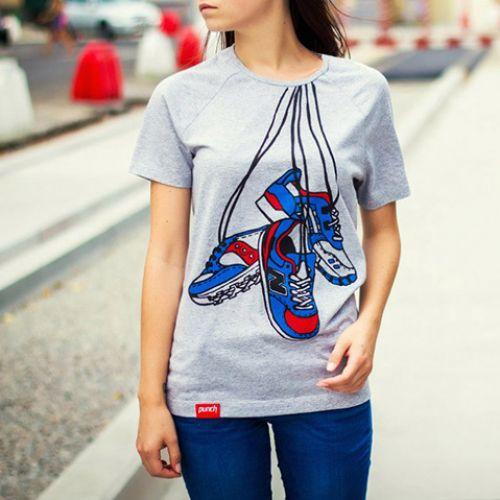 Серая женская футболка Punch с принтом