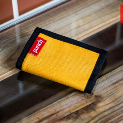 Желтый кошелек PUNCH