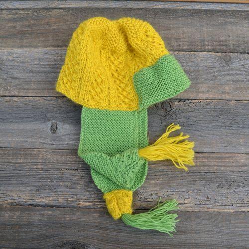 Купить теплую вязаную женскую шапку с ушами ручной работы, жёлтая с зелёным