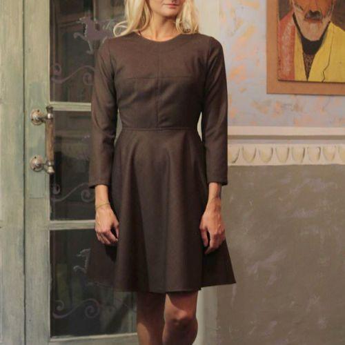 Стильное коричневое женское платье. От дизайнера Marina Romanenko