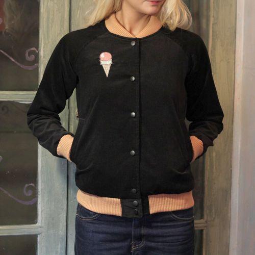 Стильная женская курточка, чёрный вельветовый бомбер с мороженым от Marina Romanenko