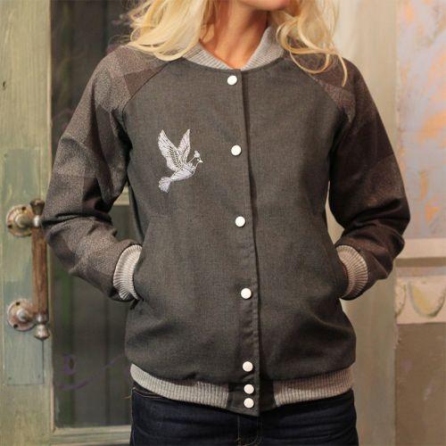 Стильная женская курточка, серый бомбер с голубем от Marina Romanenko