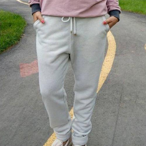 Светло-серые женские спортивные штаны с люрексом