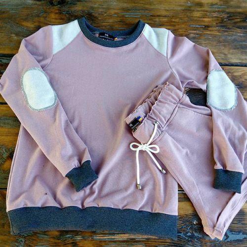 Стильный женский розовый спортивный костюм. В комплекте кофта и шорты от Marina Romanenko